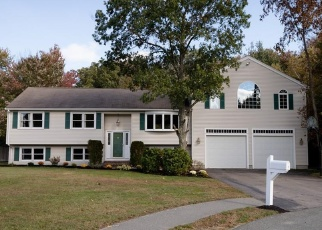 Pre Foreclosure in Whitman 02382 ROBIN RD - Property ID: 1085046125