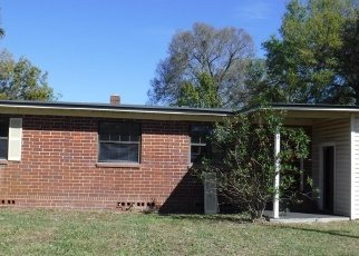 Pre Foreclosure in Jacksonville 32211 EASTWOOD LN - Property ID: 1085191998