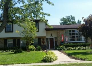 Pre Foreclosure in Palatine 60074 E GLORIA DR - Property ID: 1086351295