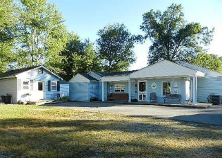 Pre Foreclosure in Fairdale 40118 KEYS FERRY RD - Property ID: 1086411746