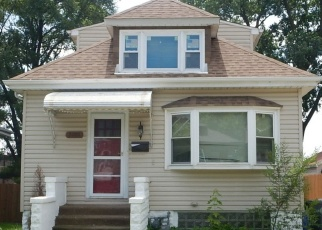 Pre Foreclosure in Lyons 60534 46TH ST - Property ID: 1087073522