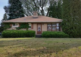 Pre Foreclosure in Cudahy 53110 S TRINTHAMMER AVE - Property ID: 1088206113