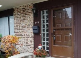 Pre Foreclosure in Milwaukee 53223 W CALUMET RD - Property ID: 1089626920