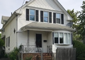 Pre Foreclosure in New Bedford 02740 MAITLAND ST - Property ID: 1089818300