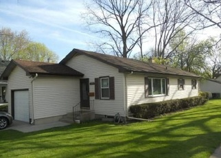 Pre Foreclosure in Elgin 60120 BELLEVUE AVE - Property ID: 1089887955