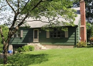 Pre Foreclosure in Trumbull 06611 BEVERLY RD - Property ID: 1089918150