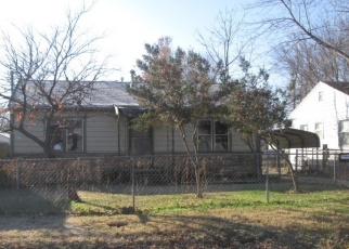 Pre Foreclosure in Tulsa 74107 W 42ND PL - Property ID: 1089936107