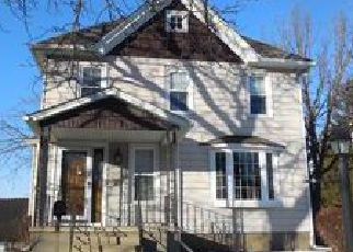 Pre Foreclosure in Mayville 53050 S WALNUT ST - Property ID: 1090017585