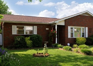 Pre Foreclosure in Wayne 25570 SANSOM AVE - Property ID: 1090491468