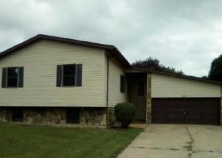 Pre Foreclosure in East Saint Louis 62206 MAPLE TREE LN - Property ID: 1091875915