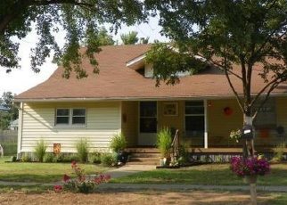 Pre Foreclosure in Cushing 74023 E MAPLE ST - Property ID: 1092918278