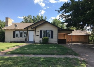Pre Foreclosure in Elk City 73644 W 1ST ST - Property ID: 1092954188