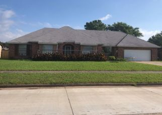 Pre Foreclosure in Pryor 74361 SE 17TH ST - Property ID: 1092990104