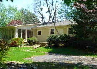 Pre Foreclosure in Wolcottville 46795 N 1ST ST - Property ID: 1095341593