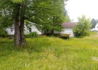 Pre Foreclosure in Lake Milton 44429 OLIVE AVE - Property ID: 1098078492