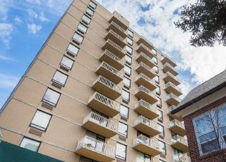 Pre Foreclosure in Richmond Hill 11418 GROSVENOR LN - Property ID: 1100724734