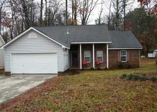 Pre Foreclosure in Charlotte 28262 CENTURY OAKS LN - Property ID: 1101310299