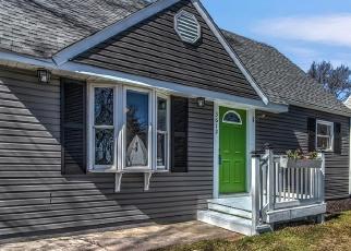 Pre Foreclosure in Hobart 46342 SAINT JOSEPH PL - Property ID: 1101458335