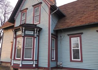 Pre Foreclosure in Elgin 60120 S LIBERTY ST - Property ID: 1101561257
