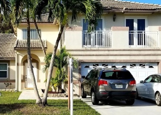 Pre Foreclosure in Miami 33193 SW 72ND TER - Property ID: 1102332983