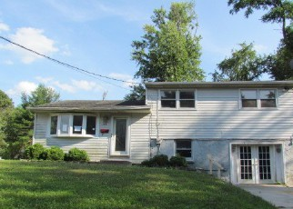 Pre Foreclosure in Woodbury Heights 08097 QUEEN AVE - Property ID: 1102938697