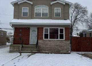Pre Foreclosure in Chicago 60652 W 83RD ST - Property ID: 1103364400