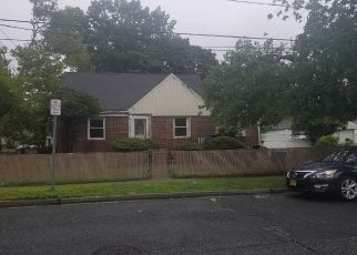 Pre Foreclosure in Uniondale 11553 CLARE RD - Property ID: 1103976695
