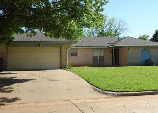 Pre Foreclosure in Mustang 73064 W DORCHESTER WAY - Property ID: 1104250416