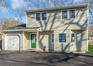 Pre Foreclosure in Islip Terrace 11752 CARLETON AVE - Property ID: 1105160982