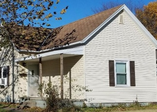 Pre Foreclosure in Charleston 61920 VINE AVE - Property ID: 1106282173