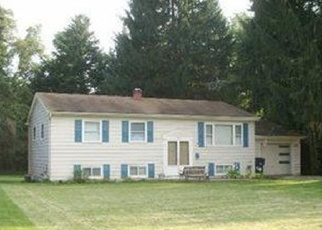 Pre Foreclosure in Youngstown 44511 TIMBER LN - Property ID: 1106321605