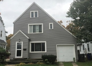 Pre Foreclosure in Toledo 43613 TALBOT ST - Property ID: 1107551883