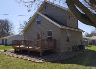Pre Foreclosure in Conrad 50621 E GRUNDY AVE - Property ID: 1108587684