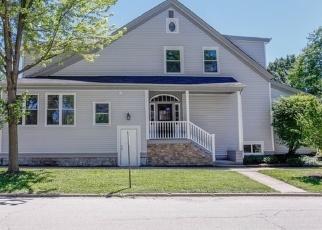 Pre Foreclosure in La Grange 60525 S BRAINARD AVE - Property ID: 1109191201