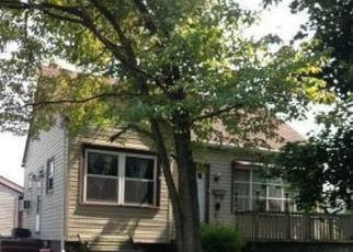Pre Foreclosure in Reading 19609 W WYOMISSING BLVD - Property ID: 1109332678
