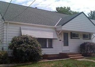 Pre Foreclosure in Euclid 44132 E 280TH ST - Property ID: 1112658654