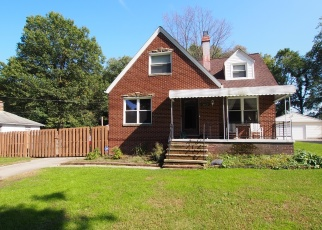 Pre Foreclosure in North Olmsted 44070 WELLESLEY AVE - Property ID: 1112702892