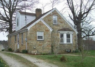Pre Foreclosure in Huntingburg 47542 E 1ST AVE - Property ID: 1114039134