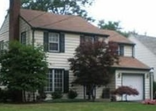 Pre Foreclosure in Youngstown 44512 OAKLEY AVE - Property ID: 1114548508
