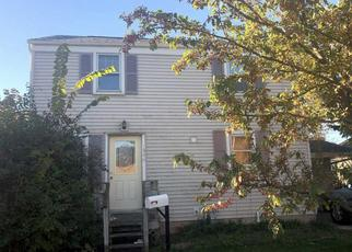 Pre Foreclosure in Green Bay 54302 DECKNER AVE - Property ID: 1117306424