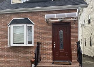 Pre Foreclosure in Flushing 11355 BARCLAY AVE - Property ID: 1118825313