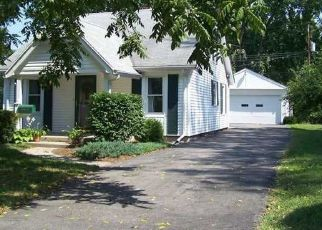 Pre Foreclosure in Toledo 43613 BOWSER DR - Property ID: 1119735880