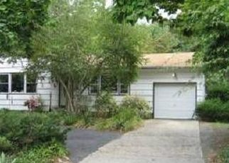 Pre Foreclosure in Hauppauge 11788 NICHOLS RD - Property ID: 1119773987