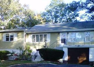 Pre Foreclosure in Putnam Valley 10579 COLUMBUS AVE - Property ID: 1120884678