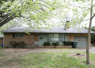 Pre Foreclosure in Dayton 45414 RIDGE AVE - Property ID: 1121381329