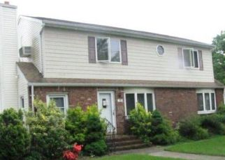 Pre Foreclosure in West Islip 11795 WEBSTER AVE - Property ID: 1121553908