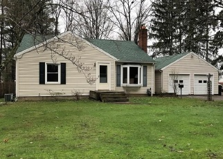 Pre Foreclosure in Youngstown 44511 S MERIDIAN RD - Property ID: 1122348830
