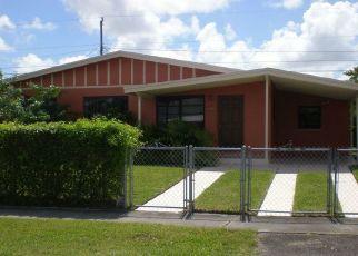Pre Foreclosure in Miami 33177 SW 188TH ST - Property ID: 1122657594