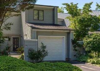 Pre Foreclosure in Centerport 11721 BULL CALF LN - Property ID: 1122789869