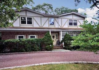 Pre Foreclosure in East Islip 11730 MEADOWFARM RD - Property ID: 1122796879